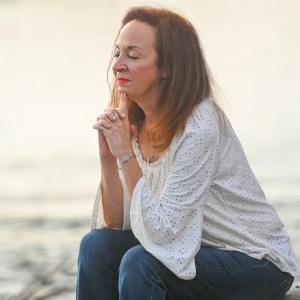 Maria Praying